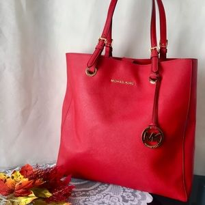 NWOT✨Michael Kors✨Candy Apple Red Saffiano Tote